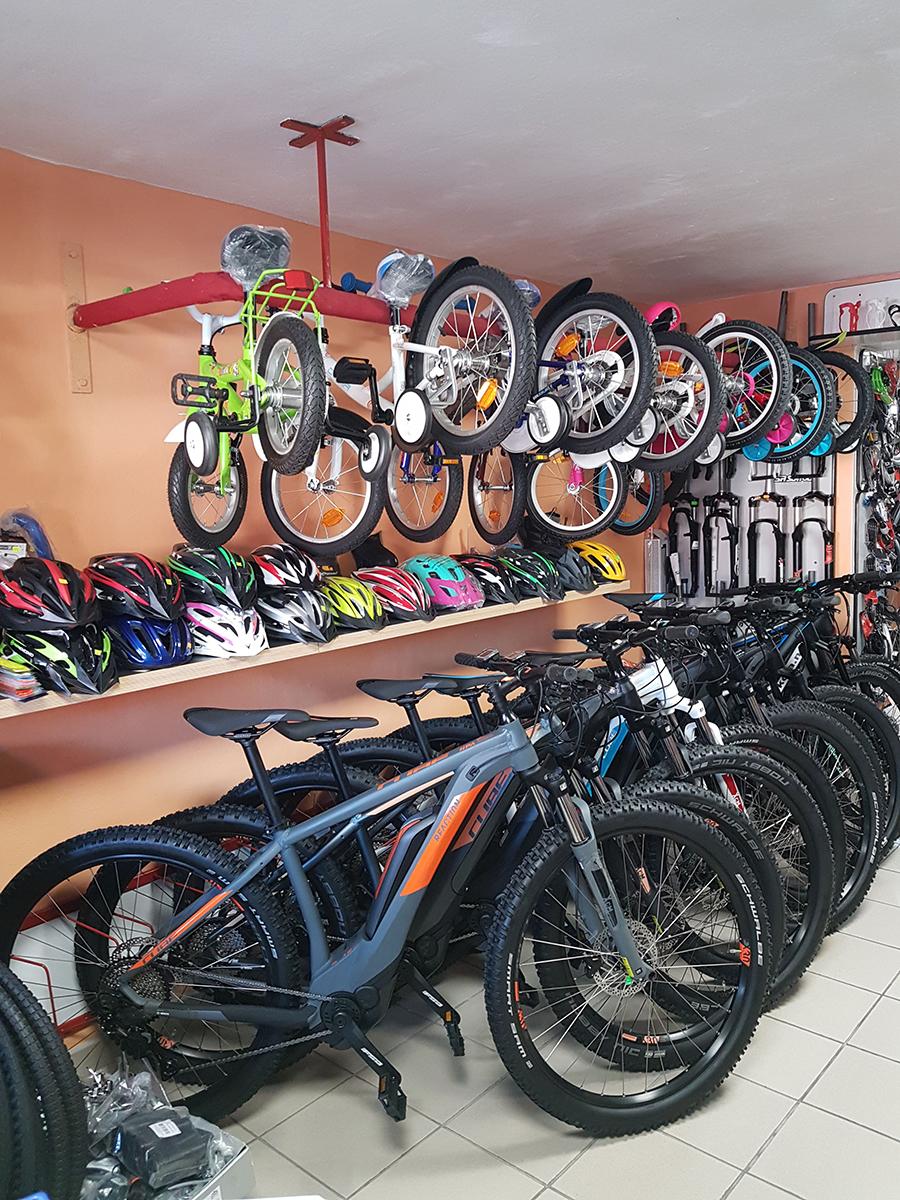 d6bbe2cc9e Náš internetový obchod nabízí stovky aktuálních modelů jízdních kol a  Elektrokol od preferovaných českých i zahraničních výrobců jako je CUBE